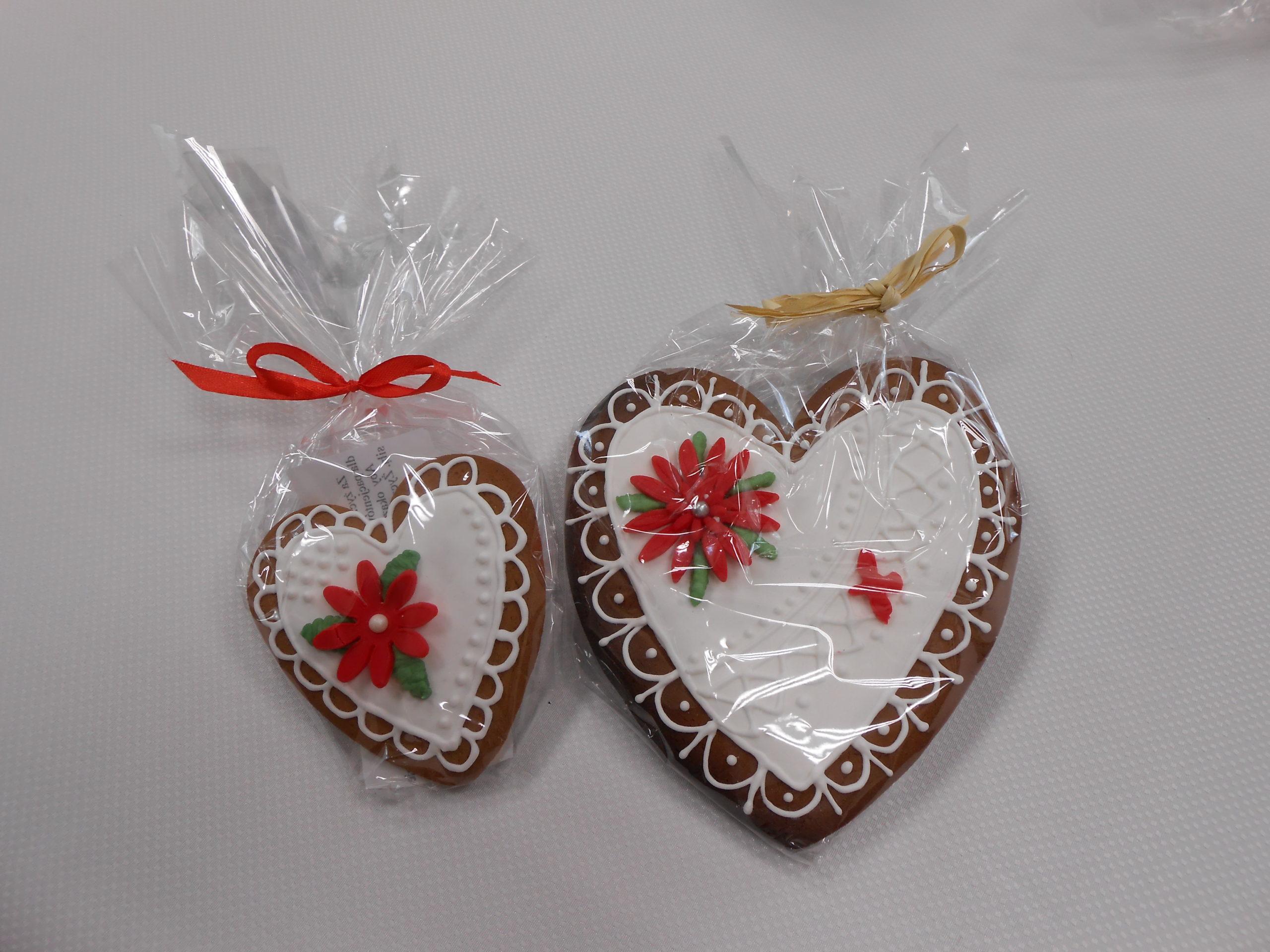 Słodkie upominki dla pracowników szpitala - serca z piernika